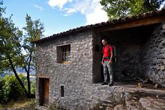 Rando refuge d'art (Alpes de Haute Provence) Tags: france alps alpes automne 04 paca provence alp alpe alpesdehauteprovence provencealpescôtedazur hauteprovence randonnéepedestre alpeshauteprovence alpesprovence bassesalpes visit04 refugedart fermebelon