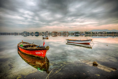 Happy New Year (Nejdet Duzen) Tags: trip travel red sea reflection beach turkey boat cloudy trkiye deniz sandal yansma turkei krmz seyahat plaj ayvalk altnova bulutlu ilobsterit