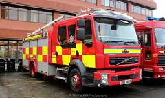 Northern Ireland Fire Rescue Service / S3502 / VKZ 3829 / Volvo FLL / Water Rescue Ladder (Nick 999) Tags: blue ireland rescue water fire lights volvo led pump leds service ladder northern sirens fll 3829 headqarters newtownhamilton nifrs vkz s3502