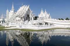 Wat Rong Khun (AndyP-Falklands) Tags: travel white reflection building architecture thailand temple mirror asia spirit contemporary buddhist postcard culture buddhism monastery thai wat hinduism picturesque changrai watrungkhun