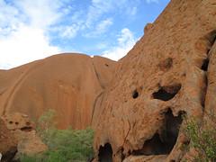 "Uluru <a style=""margin-left:10px; font-size:0.8em;"" href=""http://www.flickr.com/photos/83080376@N03/15827088034/"" target=""_blank"">@flickr</a>"
