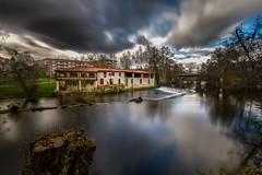 Allariz (chuscordeiro) Tags: españa rio agua galicia nubes reflejo turismo ourense largaexposición allariz canon1022 arnoia canon7d