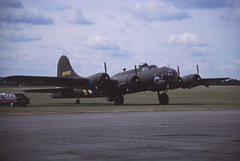 B-17F Flying Fortress 'Mother Country' (Pentakrom) Tags: pink film lady movie flying memphis aircraft aviation country mother b17 duxford belle 1989 boeing fortress iwm usaaf fazdx