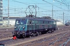 2353  Brssel - Sd  08.10.78 (w. + h. brutzer) Tags: analog train nikon eisenbahn railway zug trains locomotive 23 belgien lokomotive elok eisenbahnen sncb eloks webru brsselsd