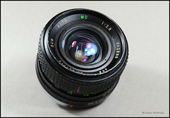 Sun Auto MC 28mm 2.8 Wide-Angle Lens (01) (Hans Kerensky) Tags: auto sun lens 28mm wideangle mount mc 28 yashicacontax