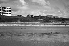 BWJPG---IMG_6440 (r4ytr4ce) Tags: ireland blackandwhite beach landscape 50mm boat eire donegal ire trchonnaill