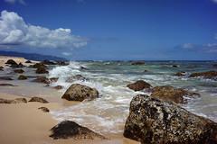 North Shore Splash_DSC4389 (Wes Suzawa's iLand Photos) Tags: ocean sea sun island hawaii sand surf northshore chunsreef voigtlanderskopar25mm
