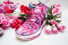 Aunt Pearls (mircoLITRATO) Tags: kevin durant kd aunt pearls pink breastcancerawareness cancer kayyow nike air reebok jordan solecollector sneaker sneakers head sneakerhead mircolitrato kicks shoe shoes collector