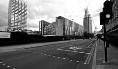 London (miners04) Tags: london england uk europe architektur architecture architettura canyons street strase streetshots urban landscape urbanlandscape zeiss touit 12mm fuji fujifilm xe xe1 zeisstouit streetsoflondon