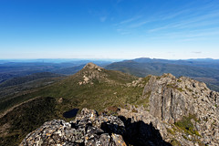 20160424-47-Mt Snowy from Hartz Peak (Roger T Wong) Tags: trek outdoors nationalpark walk australia hike scree tasmania bushwalk tramp 2016 dolerite hartzpeak hartzmountainsnationalpark sony1635 mtsnowy rogertwong sel1635z sonya7ii sonyilce7m2 sonyalpha7ii sonyfe1635mmf4zaosscarlzeissvariotessart