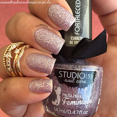 Studio 35 - #Lumina (Andressa Spanopoulos) Tags: pink glitter sand para nail nails nailpolish liquid unhas pausa studio35 feminices liquidsand