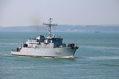 M647 L'Aigle (Rob_Pennycook) Tags: france navy solent portsmouth naval warship minesweeper frenchwarship m647