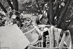 En las noticias (spawn5555) Tags: home photography casa nikon cotidiano basura prensa peridico fotografa d3000