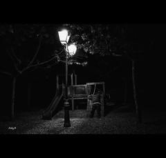Drunk (EddyB) Tags: farola streetlight europa europe fuji catalonia nocturna catalunya fujinon catalua eddyb humanfactor xt1 nighttimescene lafiguera factorhumano labandadelcharco xf1855f284mm