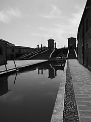 Comacchio_10_1240 (Dubliner_900) Tags: bw monochrome reflections streetphotography olympus riflessi channel biancoenero canale emiliaromagna comacchio micro43 omdem5markii mzuikodigitaled1240mm128pro