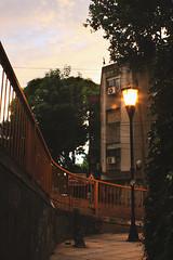 Se enciende el farol (Pan ) Tags: road city bridge sunset sky argentina vintage buildings puente atardecer buenosaires purple edificio ciudad cielo farol ocaso morado bluffing