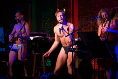 IMG_2459 (Cherie B. Tay) Tags: nyc concert ukulele 54below theskivvies