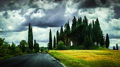 Tuscan clouds (Luis Sousa Lobo) Tags: road italy clouds canon estrada tuscany nuvens toscana itlia 2470 70d ciprestes