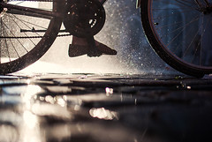 coolin' off (ewitsoe) Tags: street summer urban reflection feet water bike 35mm nikon europe cityscape eu poland poznan ewitsoe