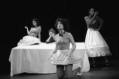 Il tempo di Plank (El temps de Plank) (Federico Pitto) Tags: bw theatre trix genova pushprocess ilforddelta3200 nikonfe2 id11 nikkor50mm14 teatrostabilegenova iltempodiplank