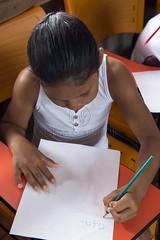 _TEF5279 (Edson Grandisoli. Natureza e mais...) Tags: papel escola lpis menina jovem escrever lista amaznia ribeirinha cabocla educaoambiental regionorte