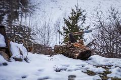 Preparado (SantiMB.Photos) Tags: 2blogger 2tumblr 2ig nieve snow hacha ax girona pirineos ripolls sal18250 valldecamprodon geo:lat=4237853911 geo:lon=239878535 geotagged invierno winter espinavell cataluna espaa esp
