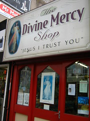 The Divine Mercy Shop (Jacinto Patricio) Tags: liverpool unitedkingdom merseyside
