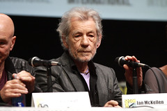 Ian McKellen (Gage Skidmore) Tags: california evan anna lauren simon ian james michael ellen lawrence berry san comic hugh jennifer patrick diego center days nicholas peter international bryan stewart xmen page convention future singer shawn hutch omar peters past jackman halle con parker shuler kinberg donner sy paquin ashmore mckellen dinklage mcavoy hoult 2013 fassbender