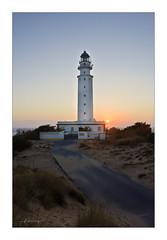 Sur (Jacobo Rodriguez) Tags: sunset espaa lighthouse faro spain nikon trafalgar andalucia cadiz sur puestadesol ocaso jacoborodriguez