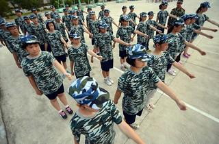 【组图】学生军训:中国VS韩国