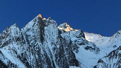 Glühende Bergspitzen (mikiitaly) Tags: italy day herbst clear elements sonne spitze wipptal pfitschtal schneesüdtirol pwwinter