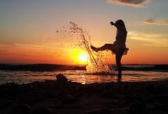 sun splash (quino para los amigos) Tags: sunset summer uruguay dusk playa belu belén puntadeleste pde vitaminwaterpde 20140116204453