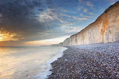 Seven Sisters and Birling Gap (Alan MacKenzie) Tags: beach sussex cottage cliffs erosion collapse sevensisters southdowns birlinggap clifffall