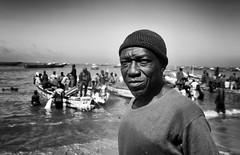 Senegal (peo pea) Tags: blackandwhite bn senegal mercato ritratto mbour pescatore pesce portrit bianoconero