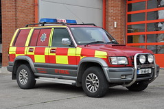 Meath Fire & Rescue Service 2005 Isuzu Trooper MFRS L4V 05MH112 (Shane Casey CK25) Tags: 2005 blue light rescue trooper station wheel fire lights drive jeep 4x4 4 crew fireman vehicle service firemen firestation emergency firefighter siren brigade firebrigade fbs navan bluelights allwheeldrive isuzu meath lightbar mfrs l4v firebrigadesociety 05mh112