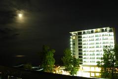 Evening in Golden Sands, Bulgaria (cod_gabriel) Tags: sea moon night seaside mare luna bulgaria litoral blacksea goldensands noapte theblacksea nisipuriledeaur mareaneagră bulgarianseaside litoralulbulgar litoralulbulgăresc bulgarianriviera българскочерноморие rivierabúlgara