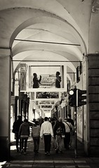 Sotto i portici (MarcYz184) Tags: blackandwhite 35mm torino nikon portici turin biancoenero citt viraggio allaperto d3100 nikontop