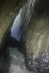 Trummelbachfalle - rio da cachoeira interna (CartasemPortador) Tags: bern lauterbrunnen cachoeira quedas interlaken dgua trmmelbach trmmelbachflle