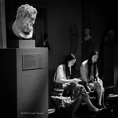 Herakles Bemused (CVerwaal) Tags: nyc blackandwhite sculpture usa ny newyork metropolitanmuseum cellphones herkules heracles sonyrx100iii