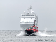 Pilot Boat Collingwood_IMG_6721 (www.jonathan-Irwin-photography.com) Tags: morning mist misty river boat early collingwood very tyne seven voyager through arrival pilot returning seas onto into 9504736