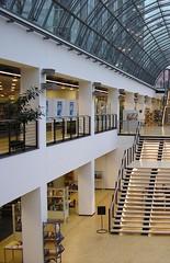 Essen_CC BY SA_16_05_26_01_bearbeitet (Fachstellen fr ffentliche Bibliotheken NRW) Tags: essen innenarchitektur bibliothek einrichtung stadtbcherei bcherei stadtbibliothek ausstattung stadtbibliothekessen fachstellefrffentlichebibliothekennrw stadtbibliotheken stadtbchereien bibliothekeninnrw