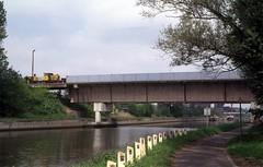 Clabecq (Klabbeek), spoorbrug (Ahrend01) Tags: en kanaal brug koe kalf cockerill meester slaaf clabecq brusselcharleroi staalfabriek