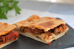 Empanada gallega de mejillones (De rechupete) Tags: empanada salsadetomate empanadagallega empanadademejillones salsaarrabbiatta