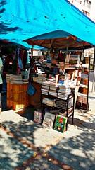 livros, livros... (luyunes) Tags: livro sebo camels cenaderua comrcioderua motomaxx luciayunes
