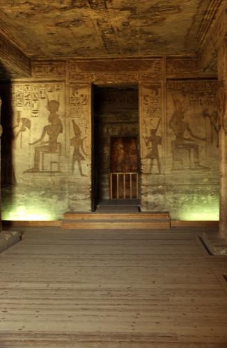 "Ägypten 1999 (122) Im Kleinen Tempel von Abu Simbel • <a style=""font-size:0.8em;"" href=""http://www.flickr.com/photos/69570948@N04/27436732656/"" target=""_blank"">View on Flickr</a>"