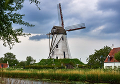 Windmill on canal in Damme (wellingtonandsqueak) Tags: windmill canal belgium c1 damme