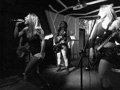 The Runaways Tribute DF (ndrC!) Tags: music braslia photography photo concert df foto cover tribute fotografia msica liveconcert runaways 061 musicconcert ndrc andrecarvalho ilj andreod musicawp