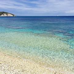 La spiaggia delle #ghiaie a #portoferraio nello scatto di @patrizia_ghilardi. Continuate a taggare le vostre foto con #isoladelbaapp il tag delle vostre #vacanze all'#isoladelba. http://ift.tt/1NHxzN3 (isoladelbaapp) Tags: rio marina elba porto di campo azzurro portoferraio marciana isoladelba capoliveri visitelba