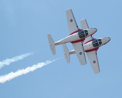 QIAS 2016 - Two-tors (Jay:Dee) Tags: 2016 qias quinte international air show airshow cfb canadian forces base trenton aviation aircraft airplane military jet trainer snowbirds 431 demonstration squadron aerobatics ct114 canadair tutor