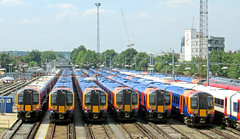 The line up at Clapham, ready for the evening rush. (delticfan) Tags: claphamjunction thirdrail emus class450 class444 45001 444018 450003 450018 450028 450093